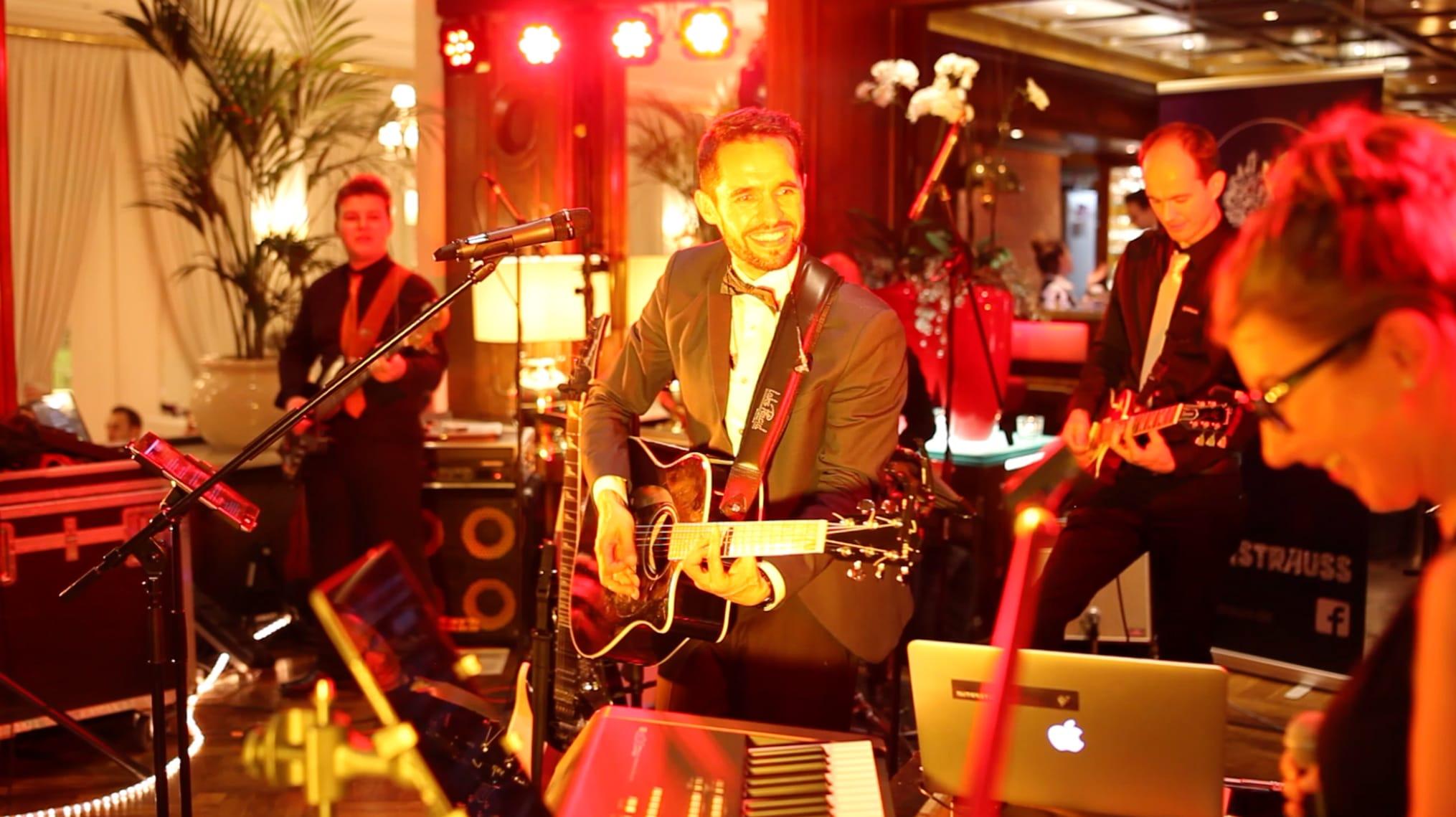 Partyband für Hochzeit, Premiumevent, Abschlussfest, Sommerfest, Weihnachtsfeier, Firmenfeier..